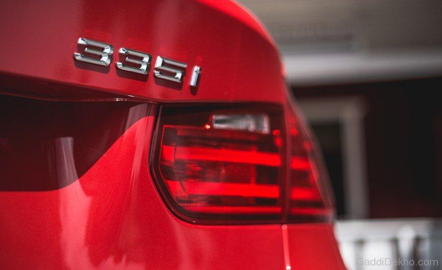 BMW-335i-Badge-gd103.jpg
